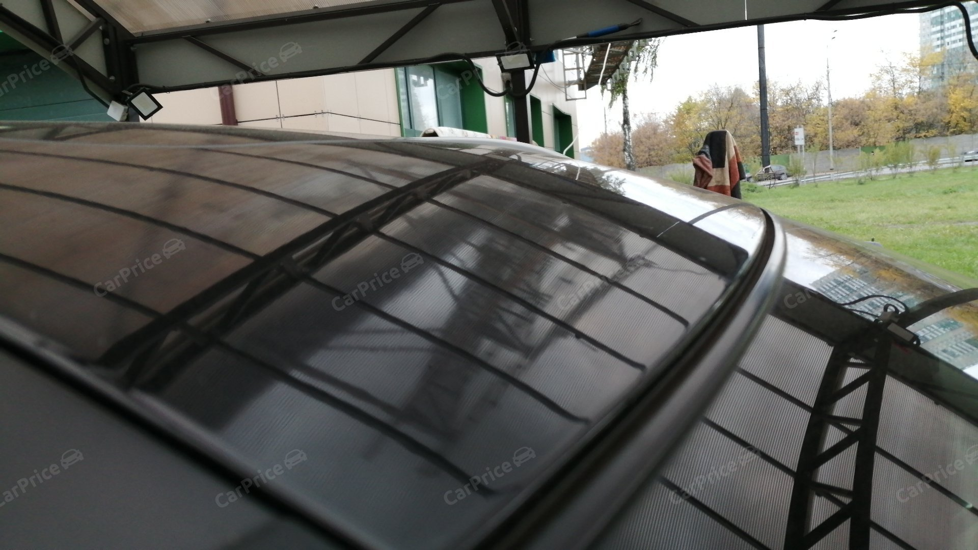 Передняя правая часть крыши